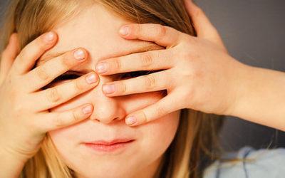 Recherche zum Diebstahl von Kinderfotos